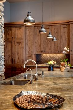 4 Ultimate Hacks: Farmhouse Backsplash Brick beadboard backsplash how to make.Marble Backsplash Tile farmhouse backsplash behind stove.Beadboard Backsplash With Granite. Kitchen Lighting Design, Rustic Kitchen Design, Kitchen Island Lighting, Kitchen Pendant Lighting, Kitchen Pendants, Home Decor Kitchen, Rustic Design, Pendant Lights, Kitchen Ideas