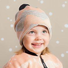 SIK SAK pipo, roosa - mel.harmaa | NOSH & KIVAT villavaatemallisto tarjoaa villavaatteita  ja asusteita syksyyn ja talveen! Pipoja myös aikuisille. Tutustu mallistoon ja tilaa NOSH vaatekutsuilta, edustajalta tai verkosta http://nosh.fi/category/950/ | (This collection is available only in Finland )
