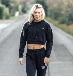 All of us are looking for some kind of escape. Occasionally we find it in each other. @holly_howie_wbffpro wearing the newly released Cropped Hoodie and Lightweight Stretch Bottoms both in size S. Available from GYMVERSUS.com @thomashartnett_ Shape Your Future #gymversus #shapeyourfuture #activewear #luxe #sportswear #athleisure #fashion #performance #style #london #clothing #apparel #health #fitness #fit #fitnessmodel #model #girl #fitspo #photooftheday #selfie #active #strong #motivation…