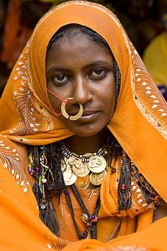 Africa | The bride at a wedding celebration of the Shanabla tribe near El Obeid, North Kordofan. Sudan. | © Joanna B Pinneo African Tribes, African Diaspora, African Women, Africa People, Beauty Around The World, Cultural Diversity, African Culture, World Cultures, Le Monde