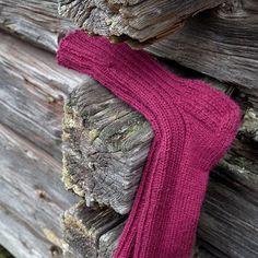« rosannaofmay: Karju, eiku Knitting Socks, Knit Socks, Fingerless Gloves, Arm Warmers, Men, Fashion, Fingerless Mitts, Moda, Fashion Styles
