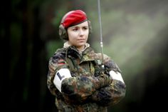 Female Soldier In Red Beret #TotallyAwesome #WatchHerKillerSmirk ツ❤