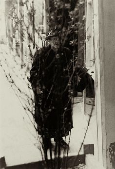 Saul Leiter : Edna was new at this camouflage business