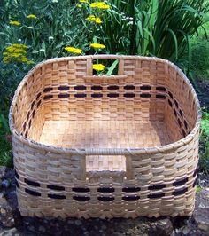 Old Baskets, Easter Baskets, Wicker Baskets, Home Decor Baskets, Basket Decoration, Basket Weaving Patterns, Native American Baskets, Large Storage Baskets, Basket Crafts