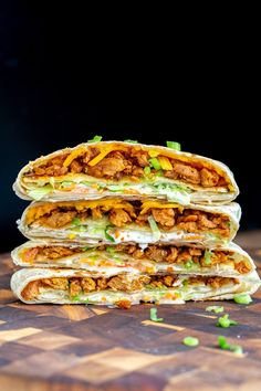 Try this vegan crunchwrap recipe - a veganized version of Taco Bell's famous crunchwrap supreme! Except that this one is completely homemade and uses Korean BBQ Soy Curls, vegan cheese shreds and veggies for the filling. Crunchwrap Recipe, Taco Bell Crunchwrap Supreme, Vegan Wraps, Vegan Ranch, Meat Substitutes, Korean Bbq, Vegan Cheese, Plant Based Diet