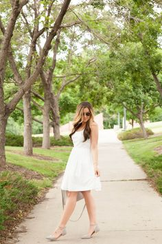 White sundress, summer 2016 outfits... Details on TheCashmereGypsy.com