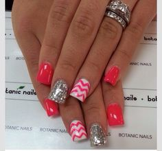 Nail Trend to Try: Chevron Nails Awwww. - - Nail Trend to Try: Chevron Nails Awwww. Get Nails, Fancy Nails, Love Nails, How To Do Nails, Pretty Nails, Simple Nail Art Designs, Easy Nail Art, Nail Designs, Pretty Designs