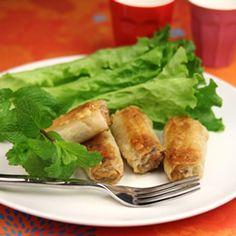 Nems aux crevettes, salade verte