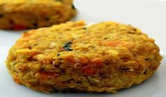 Lentil and carrot burgers - The lentil and carrot burgers represent a healthy option to enter a low-calorie diet and eliminate - Raw Food Recipes, Vegetable Recipes, Low Carb Recipes, Vegetarian Recipes, Cooking Recipes, Healthy Recipes, Good Food, Yummy Food, Going Vegan