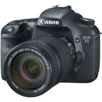 Canon EOS 7D DSLR with EF-S 18-135mm f/3.5-5.6 IS Lens