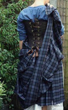Arisaid 2 Back – Ava Baytree Scottish Costume, Scottish Dress, Scottish Clothing, Scottish Fashion, Historical Clothing, Tartan Fashion, Fashion Outfits, Arisaid, Tartan Mode