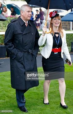 Andrew Albert Christian Edward, duc d'York Sarah Ferguson, Duke Of York, Victoria, Christian, Coat, Dresses, Fashion, Vestidos, Moda