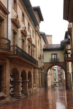 Calle de Cimadevilla Oviedo, Asturias, Spain