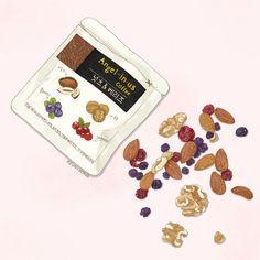 건강에 좋은 아몬드, 호두, 블루베리, 크랜베리입니다:-)   2016ⓒKEUN-HONG  http://gksdi33.blog.me http://instagram.com/keun_hong