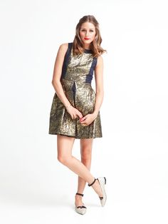 Olivia Palermo wearing Tibi Flat Ballet Bow Shoes and Tibi Damask Jacquard Seleeveless Dress.