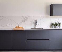 Open Plan Kitchen Living Room, Kitchen Room Design, Modern Kitchen Design, Home Decor Kitchen, Interior Design Kitchen, Home Kitchens, Grey Kitchen Inspiration, Modern Kitchen Interiors, Minimalist Kitchen