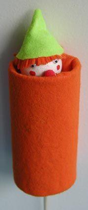 Petite marionnette - avec un rouleau de papier toilette, un peu de feutrine...