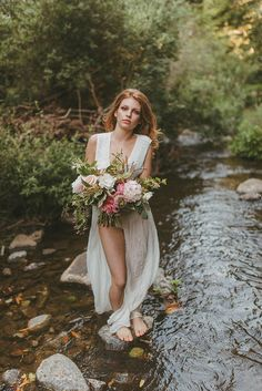 River boudoir inspiration shoot photographed by Molly Gilholm Photography. Photoshoot Themes, Bridal Photoshoot, Bridal Boudoir, Bouidor Photography, Best Friend Photography, Boudior Poses, Best Wedding Makeup, Outdoor Pictures, Boudoir Photos