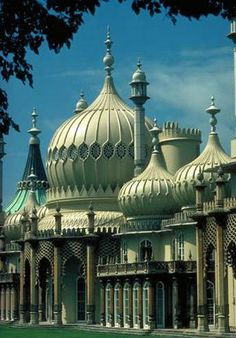 """Must-See"" Places in England, Scotland and Wales The Royal Pavilion, Brighton UK. First saw this as a child and was so surprised and gobsmacked. The need to travel to India was soon embedded in my psyche.The Royal Pavilion, Brighton UK. Architecture Antique, Beautiful Architecture, Beautiful Buildings, Beautiful Places, Chinese Architecture, Architecture Office, Futuristic Architecture, Brighton Uk, Brighton Sussex"
