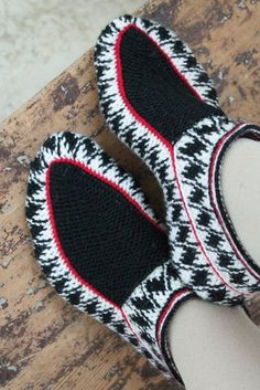 Nordic Yarns and Design since 1928 Knitted Slippers, Slipper Socks, Fair Isle Knitting, Knitting Socks, Crochet Shoes, Knit Crochet, Knit Boots, Leg Warmers, Mittens
