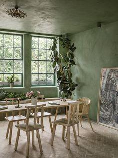 Green Tadelakt All Around. Beautiful Roo Interiordesign - Home Decor Home Interior Design, Decor, Interior Design, House Interior, Home, Interior, Trendy Dining Room, Home Decor, Beautiful Room Designs