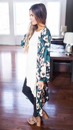 love this kimono... so pretty and feminine :)