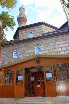 Bursa Tarihi ve Turistik Yerler Rehberi: İvaz Paşa Camii (Bursa)