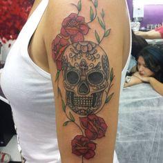 #tattoo #tattoos #ink #inked #instagood #picoftheday #photooftheday #tatuagemfeminina #tattoogirl #tattoo2me #tattooart #tattooflash #tattoobrasil #tattoobr #tattoolife #tattoojorge #meier #rj #caveiramexicana #skull #mexicanskull @estudioartenapele