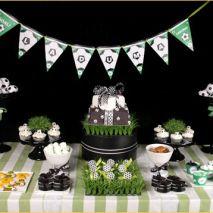 Dicas para as mamães: festa infantil para meninas no tema futebol. Mais fotos em: http://mamaepratica.com.br/2014/06/06/mamae-em-festa-copa-do-mundo/