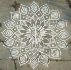 Ideas For Tattoo Designs Drawings Sketches Hand Drawn Simple Rangoli Border Designs, Rangoli Simple, Rangoli Designs Latest, Small Rangoli Design, Rangoli Designs With Dots, Rangoli Designs Diwali, Rangoli Designs Images, Beautiful Rangoli Designs, Mandala Design