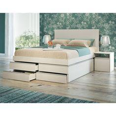 Com design diferenciado e multifuncional, essa cama alia conforto com praticidade na organização. As gavetas são ideais para guardar cobertores e roupas de cama.