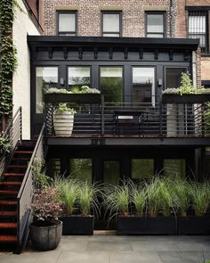 """669 Likes, 8 Comments - Gardens & Outdoor Living (@gardenista_sourcebook) on Instagram: """"There's a lot to like about this townhouse garden in Brooklyn, but we particularly admired the…"""""""