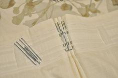 dans les mini-pochettes on enfile attentivement les crochets métalliques à 4 griffes Pinch Pleat Curtains, Tab Curtains, Ikea Curtains, Pleated Curtains, Sheer Drapes, Rideaux Design, French Pleat, Blue Paint Colors, Elegant Curtains