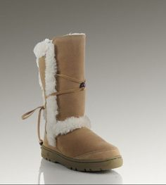 Ugg Boots Outlet Online -Cheap Uggs Offers,Ugg Boots Clearance,Buy Ugg BootsFor Women Discount From Ugg Outlet Stores! Ugg Classic Tall, Classic Ugg Boots, Casual Boots, Fashion Days, Fashion Boots, Women's Fashion, Fashion Trends, Uggs For Cheap, Cheap Boots