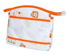Trousse de toilette à broder imprimé oursons - Point de Croix Bébé. Diaper Bag, Toiletry Bag, La Perla Lingerie, Bear Cubs, Embroidery, Bebe, Diaper Bags, Mothers Bag, Nappy Bags