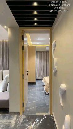 Modern Luxury Bedroom, Modern Bedroom Design, Home Room Design, Contemporary Bedroom, Interior Ceiling Design, Bedroom False Ceiling Design, Apartment Interior Design, Bedroom Cupboard Designs, Bedroom Closet Design