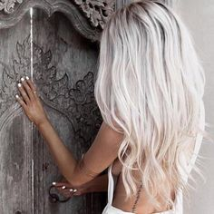 Hair hair styles hair color hair cuts hair color ideas for brunettes hair color ideas White Blonde Hair, Icy Blonde, Gray Hair, Platinum Blonde Hair Color, Platinum Blonde Hairstyles, White Ombre Hair, White Blonde Highlights, Platinum Blonde Balayage, Brassy Blonde
