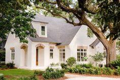 Gorgeous Cottage House Exterior Design Ideas 19
