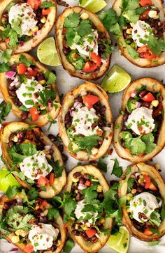 Healthier (Vegan) Stuffed Potato Skins A healthy vegan super bowl party recipe. These potato skins are stuff with black bean salad, sunflower sour cream, and coconut bacon. A fun game day snack. Crispy Potato Skins, Loaded Potato Skins, Potatoe Skins Recipe, Potato Appetizers, Vegan Appetizers, Appetizer Recipes, Party Appetizers, Vegan Snacks, Party Snacks