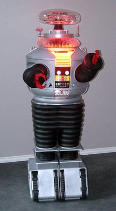 The stunt version of the Robot - The Robot from 'Lost in Space'. Vintage Robots, Retro Robot, Vintage Tv, Retro Toys, B9 Robot, Robot Builder, Space Tv Series, Sci Fi Tv, Lost In Space