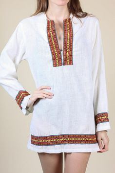 f42ecff2f3f 70s Embroidered Hippie Tunic - Men s XS