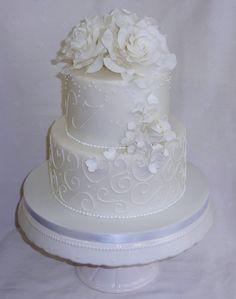Wedding Cake Hochzeitstorte Rosen und Blüten