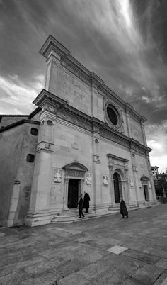 San Lorenzo Cathedral in Lugano / Clickasnap Lugano, Image Types, Sky And Clouds, Cathedral, Louvre, Tower, Urban, Architecture, City