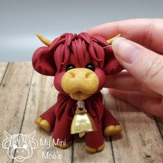 Check out little Rebel: the hand sculpted red and gold bull! Polymer Clay Sculptures, Polymer Clay Creations, Sculpture Clay, Polymer Clay Crafts, Polymer Clay Jewelry, Cake Templates, Clay Art Projects, Fondant Tutorial, Clay Figurine