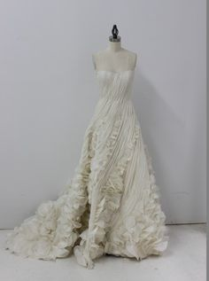 Just say YeS to the dress