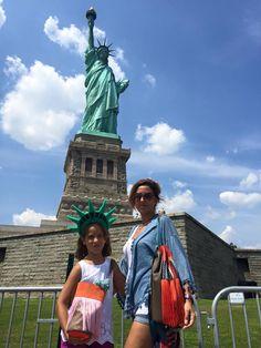 Bandolera y mochila gloriaca en NY www.gloriaca.com