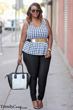 Very cute outfit. Plus size and curve friendly. I like the metallic belt and chic look (preppy) Plus Size Chic, Curvy Plus Size, Plus Size Girls, Plus Size Women, Curvy Girl Fashion, Plus Size Fashion, Womens Fashion, Jeggings Outfit, Plus Size Beauty