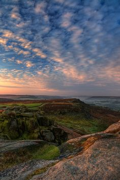 Sunrise at Curber Edge, North Derbyshire, UK. by Steve Bark on flickr.