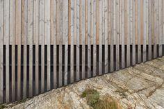 Mattias Gunneflo, Åke E:son Lindman · Kyrkesund Weekend House House Cladding, Timber Cladding, Exterior Cladding, Wood Architecture, Contemporary Architecture, Architecture Details, Contemporary Building, Glencoe House, Cladding Materials
