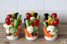 65 Best Ideas for bridal brunch menu fruit cups Vegetable Cups, Veggie Cups, Veggie Tray, Party Snacks, Appetizers For Party, Appetizer Recipes, Charcuterie Recipes, Charcuterie And Cheese Board, Individual Appetizers